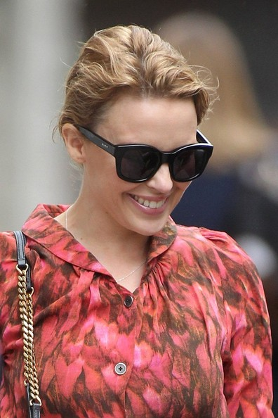 Kylie photos > candids, shoots, eventos... - Página 11 Kylie+Minogue+Kylie+Minogue+Spotted+London+MOj7SpATVkGl