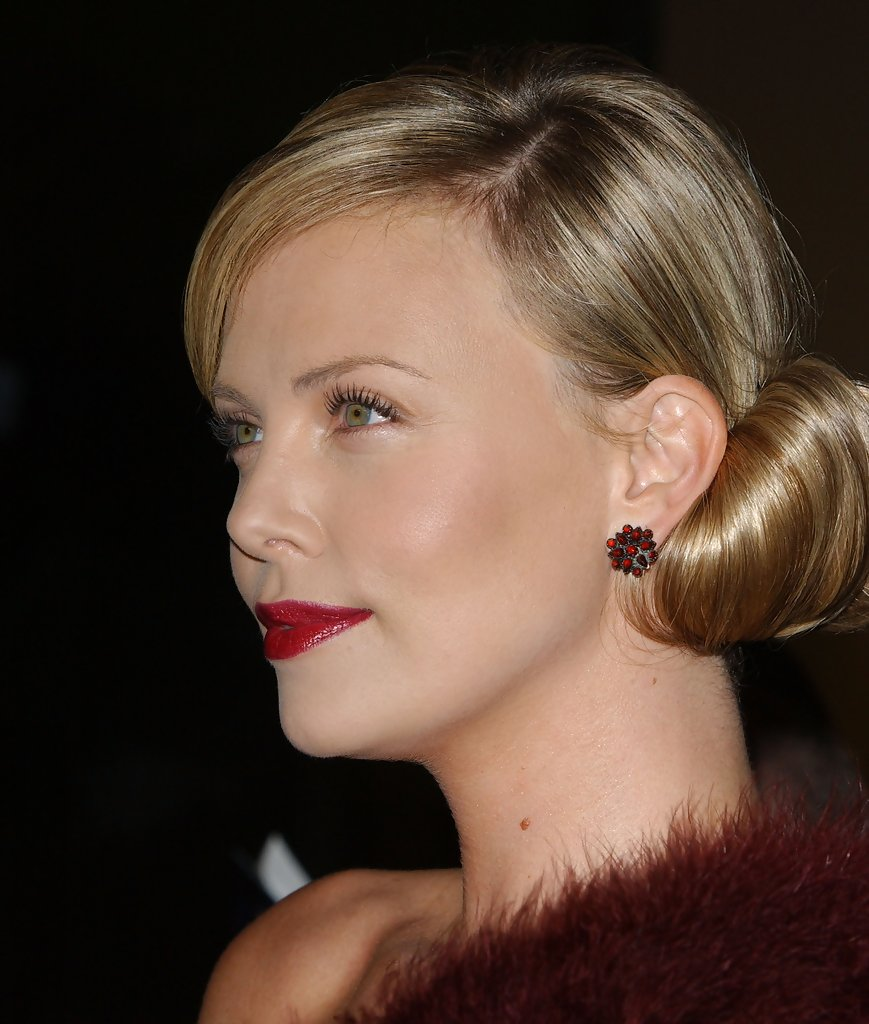 Charlize Theron Aeon Flux Charlize Theron As Aeon Flux By