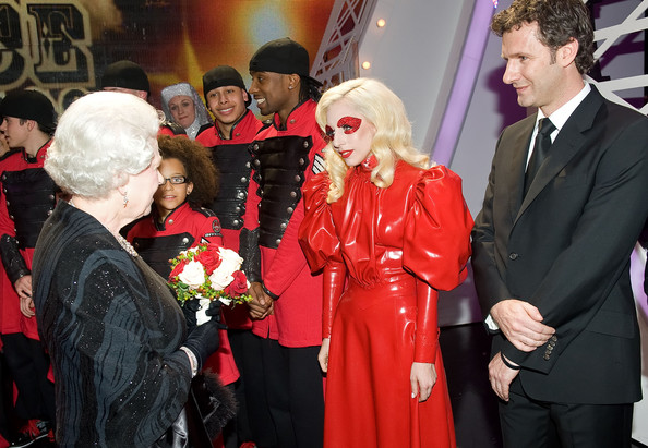 Lady Gaga Pictures - Lady Gaga Meets Queen Elizabeth - Zimbio