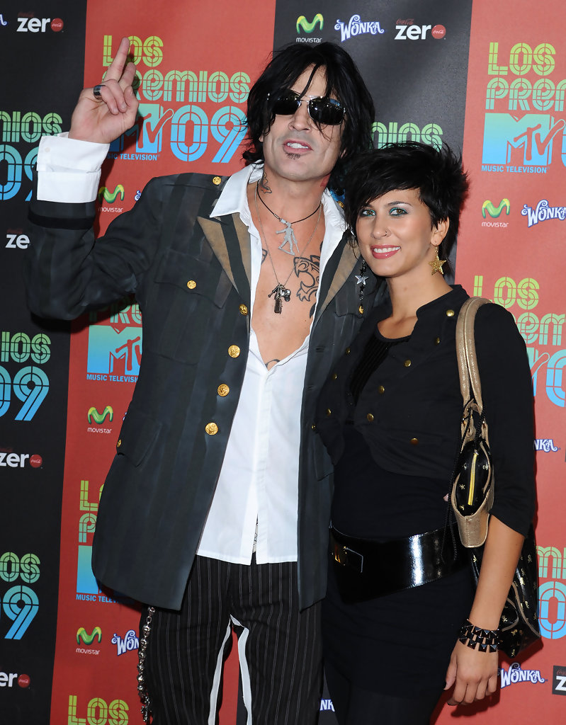 Tommy Lee Fianc e net worth tattoos smoking & body facts - Taddlr