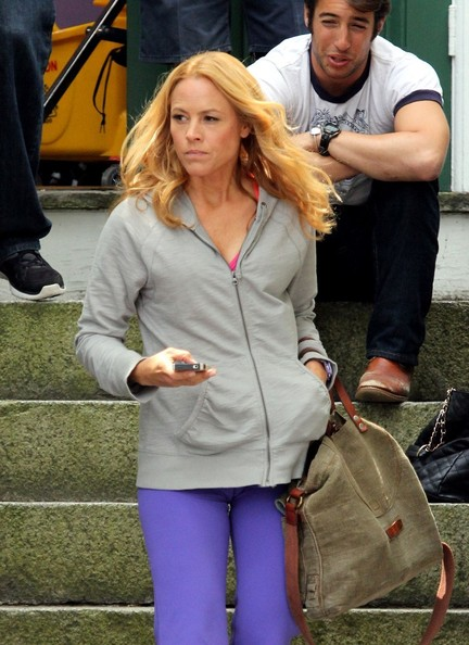 Maria Bello Pictures - Maria Bello Grabs Lunch on Set - Zimbio
