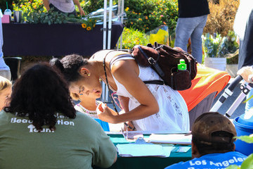 Marsha Thomason Marsha Thomason Spotted at the Farmer's Market in Studio City