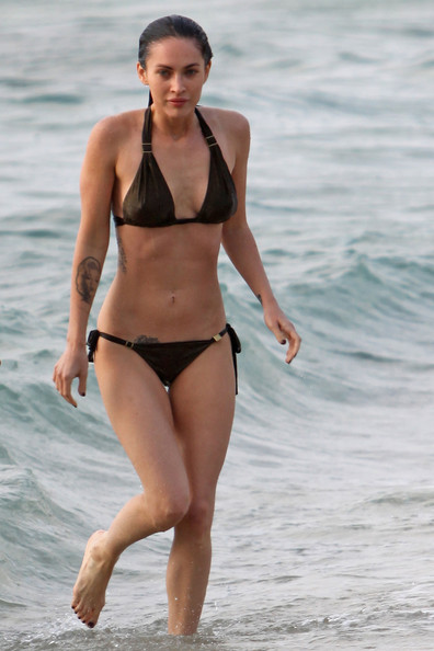 Megan Fox Sports A Bikini In Hawaii Zimbio