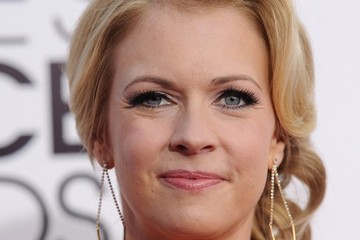 Melissa Joan Hart Arrivals at the People's Choice Awards