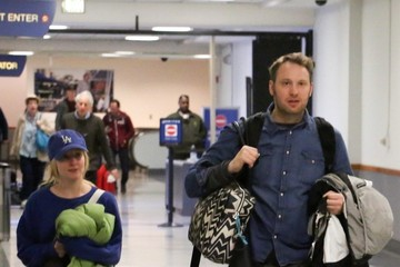 Melissa Rauch Melissa Rauch and Winston Beigel at LAX