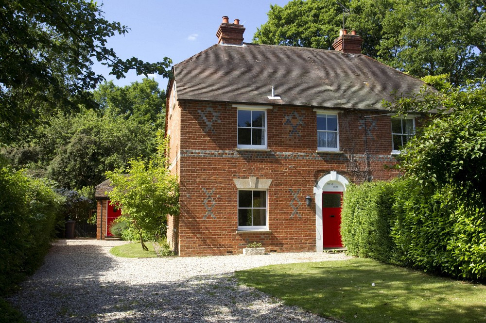 Kate Middleton 39 S Childhood Home Is Sold At Auction Zimbio