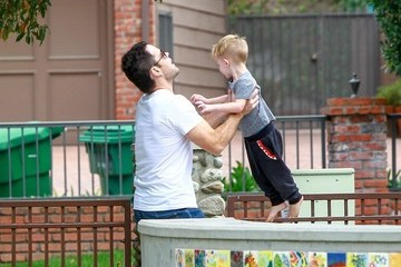 Mike Comrie Mike Comrie Spends the Day with Luca