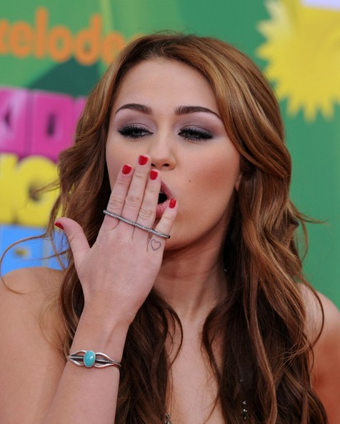 miley cyrus 2011. Miley Cyrus Nickelodeon#39;s 24th