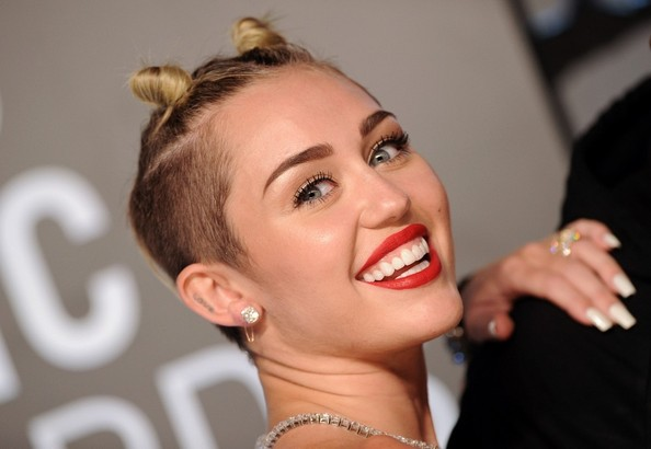 Miley Cyrus - Arrivals at the MTV Video Music Awards — Part 2