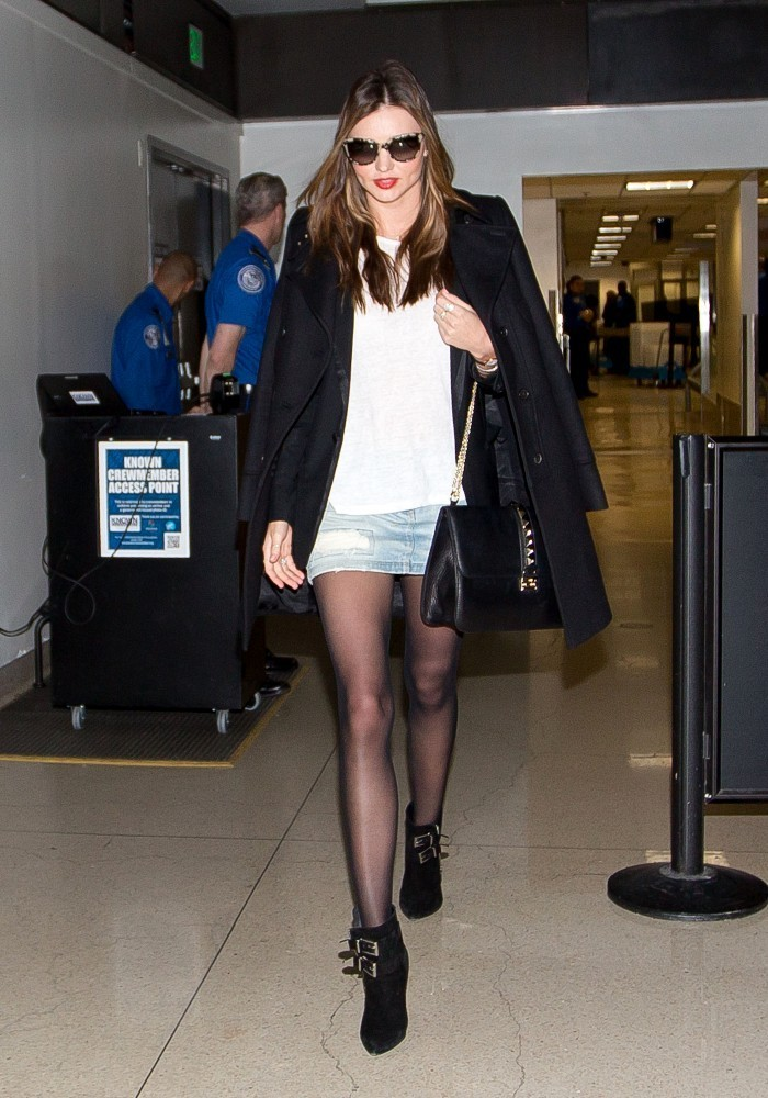 Miranda Kerr arrives at LAX on November 4, 2013.
