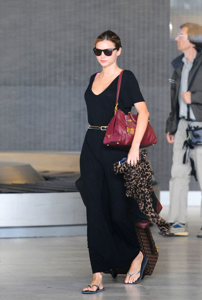 Miranda Kerr Miranda Kerr arrives to Paris with her Louis Vuitton luggage.