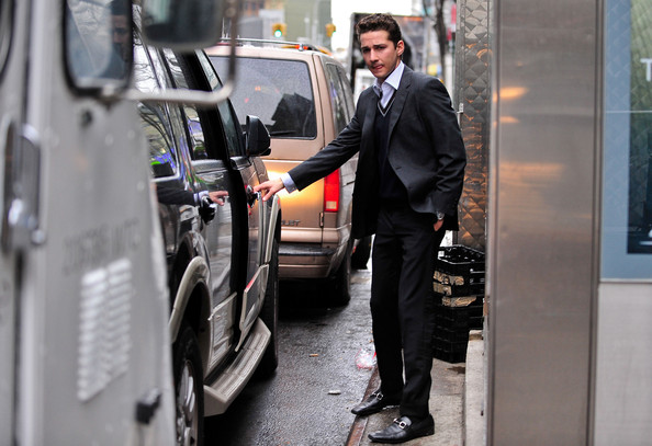 Money Never Sleeps (Wall Street 2) - Shia's Pictures - Page 3 Money+continues+filming+d_ZgT6bFZkJl