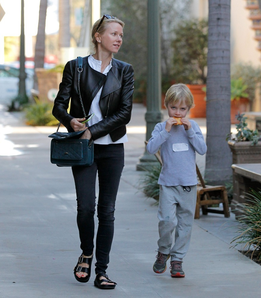 Naomi Watts Out with F...