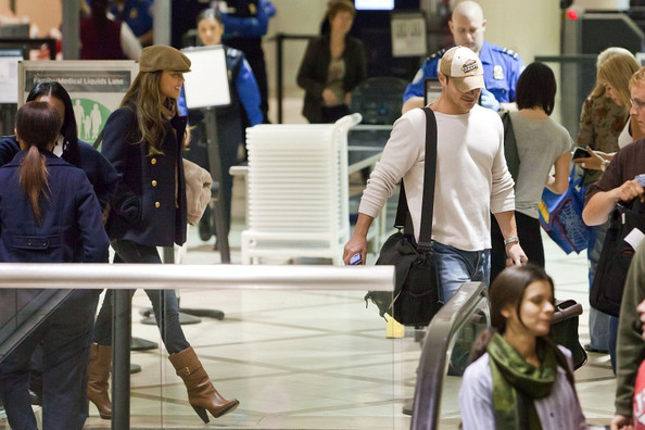 Nick Lachey Nick Lachey and Vanessa Minnillo keep their heads down as they return to LA.