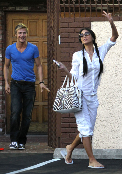 Derek hough dating nicole scherzinger