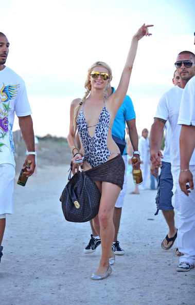 Paris Hilton Paris Hilton departs Nikki Beach on a boat after having lunch with her sister Nicky.
