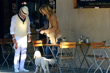 Penny Lancaster Rod Stewart Gets Lunch with Penny Lancaster