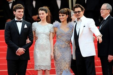 Penelope Cruz Astrid Berges Frisbey 'Pirates of the Caribbean: On Stranger Tides' Premiere