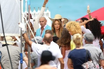 Pitbull Jennifer Lopez and Pitbull Film a Music Video
