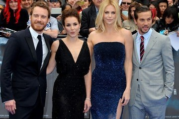 Noomi Repace Stars at the 'Prometheus' Premiere in London