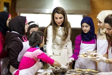 Queen Rania Queen Rania Visits a Care Centre
