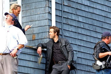 Jeff Bridges Ryan Reynolds 'R.I.P.D.' Films Along Mystic River