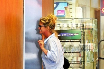 Rachel Hunter Rachel Hunter Out and About