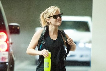 Reese Witherspoon Reese Witherspoon Spotted with New Bodyguard — Part 2