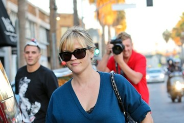 Reese Witherspoon Reese Witherspoon at Restaurant in Venice