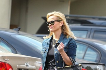 Reese Witherspoon Reese Witherspoon Enjoys the Sunshine — Part 2