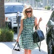 Reese Witherspoon Shops in Style
