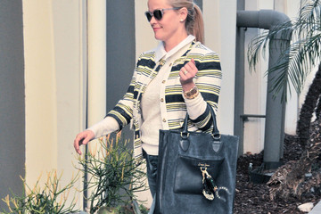 Reese Witherspoon Reese Witherspoon Emerges from Her LA Office