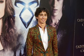 Robert Sheehan doesn t regret leaving Misfits early: I was just