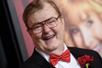 Robert Michael Morris earned a  million dollar salary, leaving the net worth at 1 million in 2017