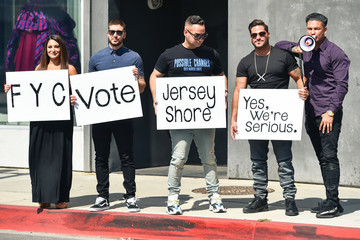 Ronnie Ortiz-Magro Deena Nicole Cortese, Vinny Guadagnino, Michael Sorrentino, Ronnie Ortiz-Magro And Pauly D Promote 'Jersey Shore - Family Vacation'