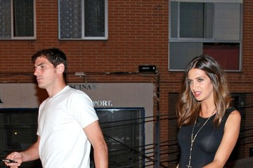 Sara Carbonero Iker Casillas Grabs Dinner with His Girlfriend