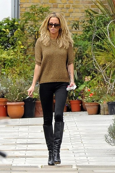 Apologise, Sarah harding thigh high boots opinion you