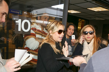 Sarah Michelle Gellar Sarah Michelle Gellar at the Airport