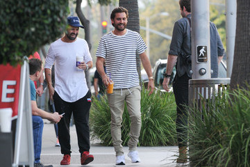 Scott Disick Scott Disick Goes for a Casual Stroll