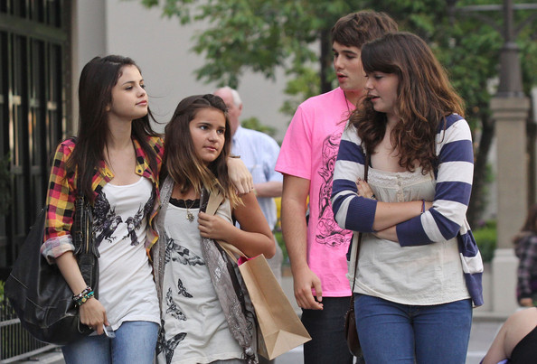 taylor lautner and selena gomez. Makena Lautner and Selena