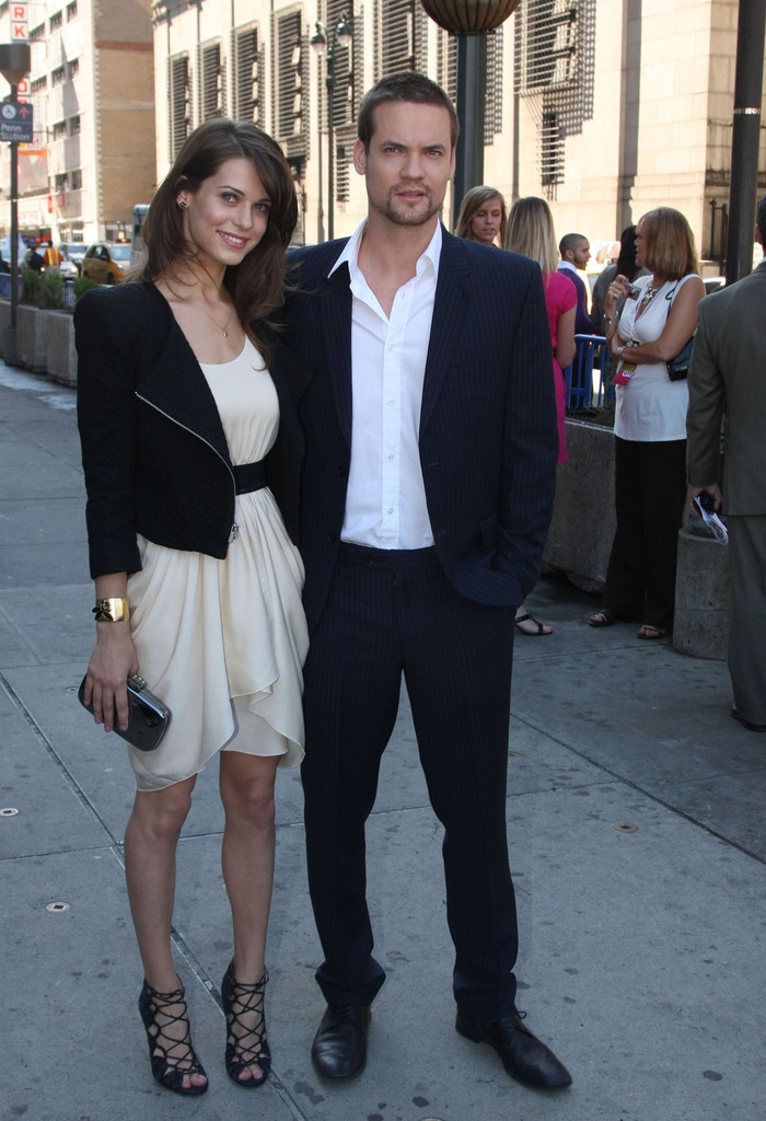 shane west and lyndsy fonseca photos cw network upfront