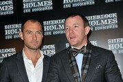 Jude Law and Guy Ritchie Photos Photo