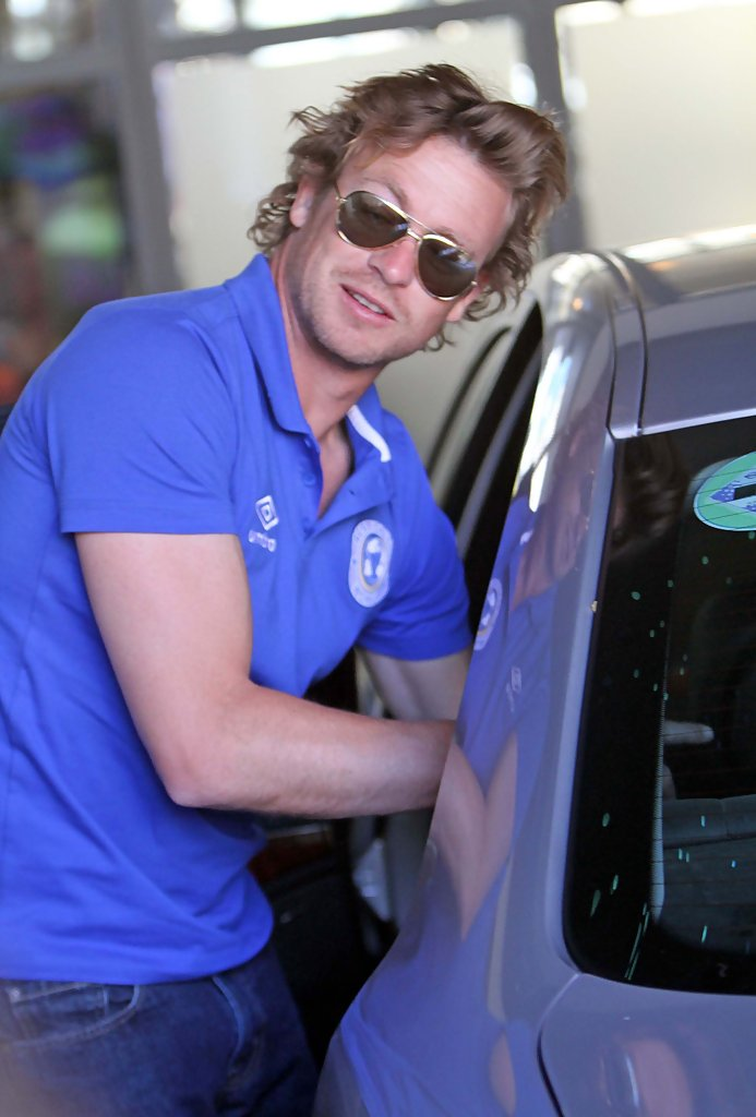 Simon Baker Photos Photos Simon Baker At His London