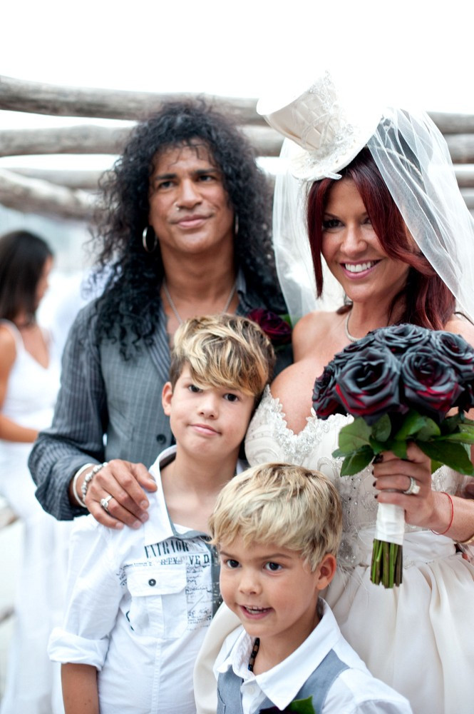 Slash And Perla Hudson Photos Photos Slash And Perla