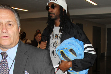 Snoop Dogg Snoop Dogg Hitches a Flight