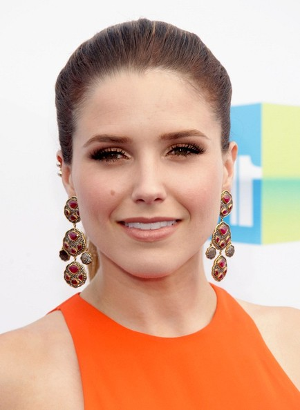 Sophia Bush - Do Something Awards - August 19th Sophia+Bush+VH1+Something+Awards+2012+zdA4H3zflFml
