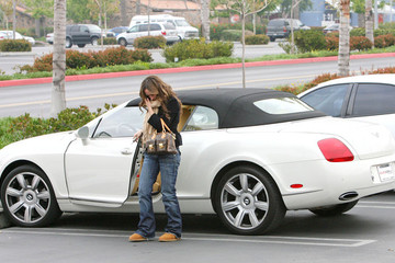 Jennifer Love Hewitt Stars and Their Cars: 64 Celebrities and Their Rides