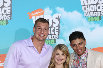 Stevie Nelson Celebrities Attend Nickelodeon's 2016 Kids' Choice Awards at The Forum