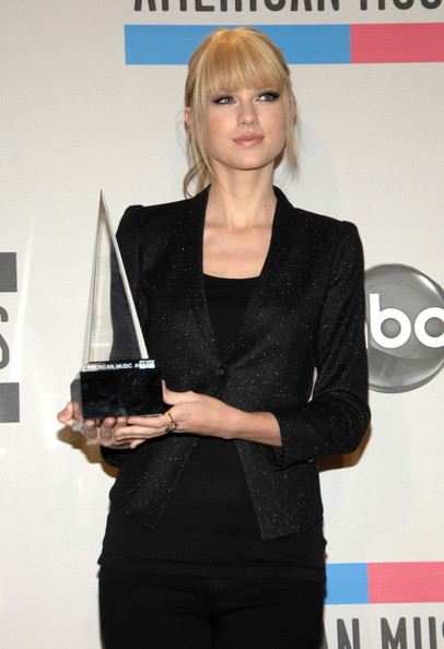 Taylor Swift 2010 American Music Awards - Press Room.Nokia theatre, Los Angeles, CA.November 21, 2010.