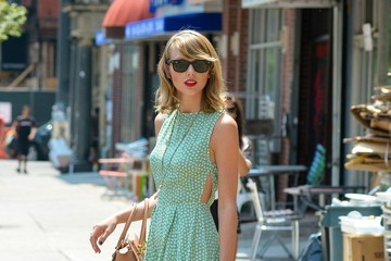 Taylor Swift Taylor Swift Heads Out for the Day